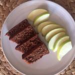 Bizcocho de cacao casero con dátiles